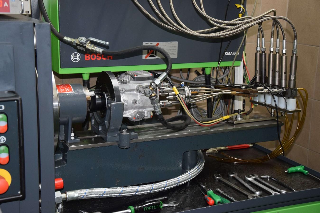 Stanowisko do testowania pomp, wtryskiwaczy oraz pompowtryskiwaczy marki Bosch EPS 815